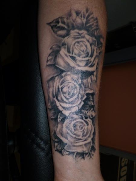 muellerhansg rosen tattoos von tattoo. Black Bedroom Furniture Sets. Home Design Ideas