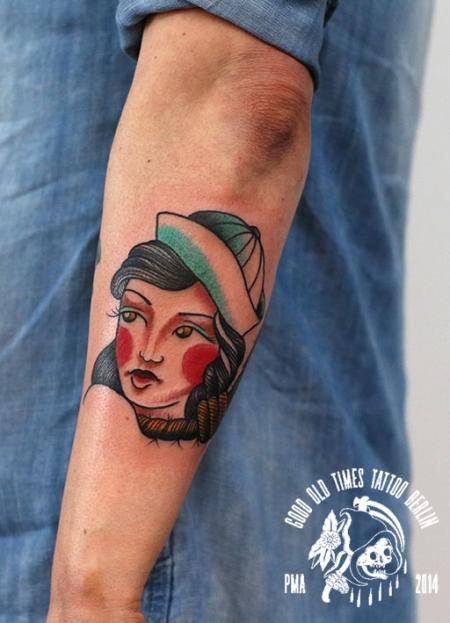 Goodoldtimestat traditional pin up tattoo tattoos for Traditional pin up tattoos