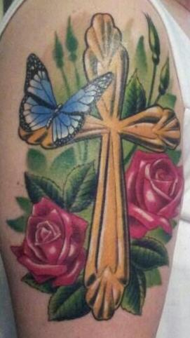 kreuz-Tattoo: Kreuz Gedenken an Oma