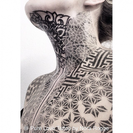 dotwork-Tattoo: Blackwork Dotwork Mandala Sacred Geometry by PURE LOVE TATTOO Nora Rogge