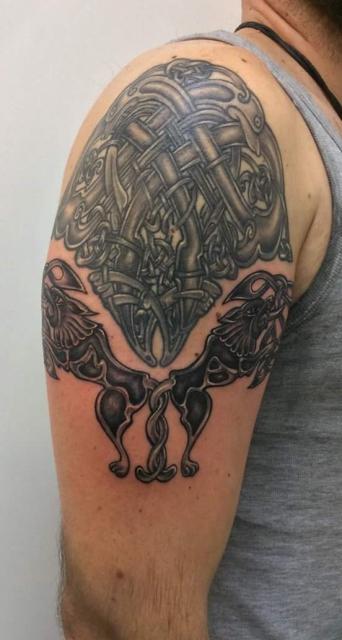 thor0976 keltische knoten mit tiermotiven tattoos von. Black Bedroom Furniture Sets. Home Design Ideas