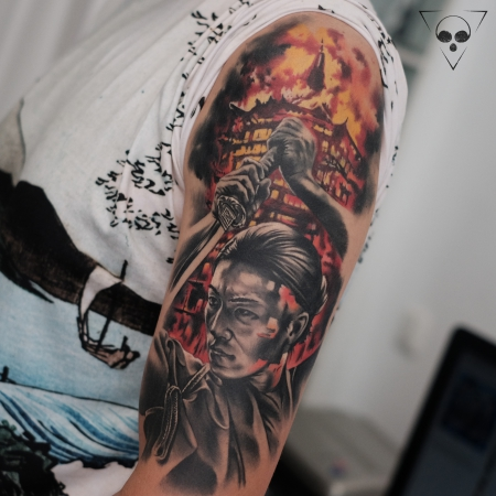 china-Tattoo: Kleines Cover Up / Samurai Flammen