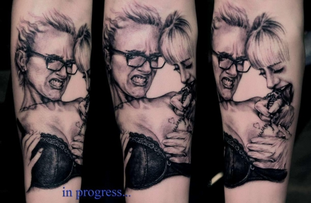 mädchen-Tattoo: Böse Mädchen