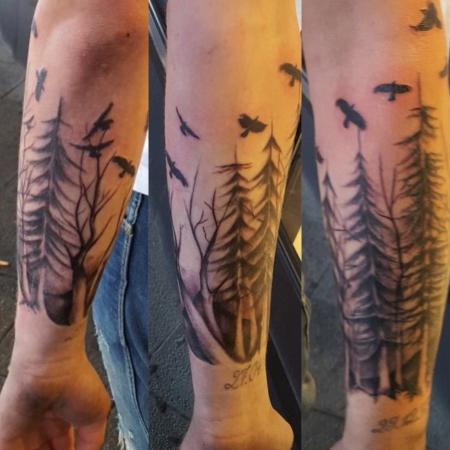 czu97 wald am unterarm tattoos von tattoo. Black Bedroom Furniture Sets. Home Design Ideas