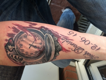 Docfreeze Taschenuhr Mit Namen Tattoos Von Tattoo Bewertungde