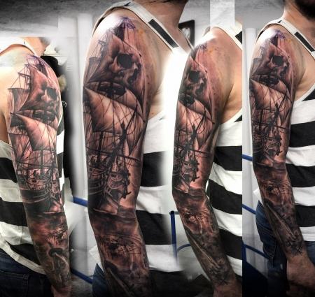 ärmel-Tattoo: Segelschiff