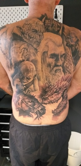 Heer der Ringe Ganz Rücken Tattoo