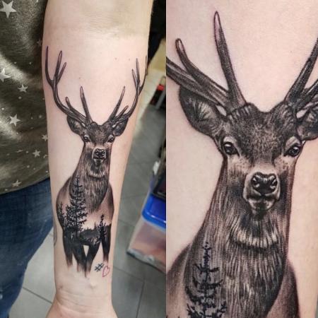 elefant-Tattoo: Bambi in schwarzweiß