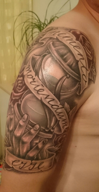 Sanduhr tattoo mit spruch  Schlechteste Gurken Tattoos | Tattoo-Bewertung.de | Lass Deine ...