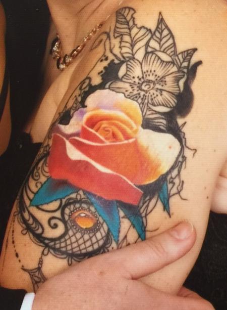 Rose auf Spitzenhintetgrund