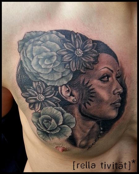 große schwaenze tattoo genitalbereich frau