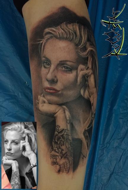handgelenk-Tattoo: Brody Dalle