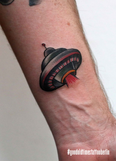 Traditional ufo tattoo