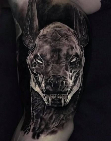 Sterne-Tattoo: Anubis