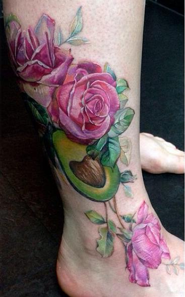 Avocado mit Rosen