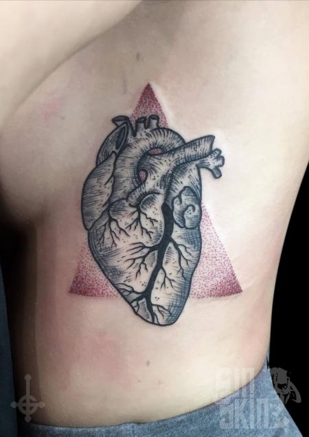 juli loca anatomisches herz tattoos von tattoo. Black Bedroom Furniture Sets. Home Design Ideas