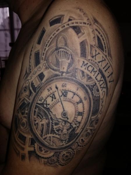 gallier2204 uhrwerk mal anders tattoos von tattoo. Black Bedroom Furniture Sets. Home Design Ideas