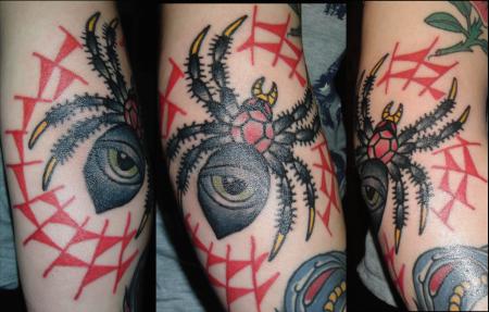 Spinne (frisch gestochen)