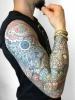 Farbiges Dotwork Ornament Mandala Tattoo
