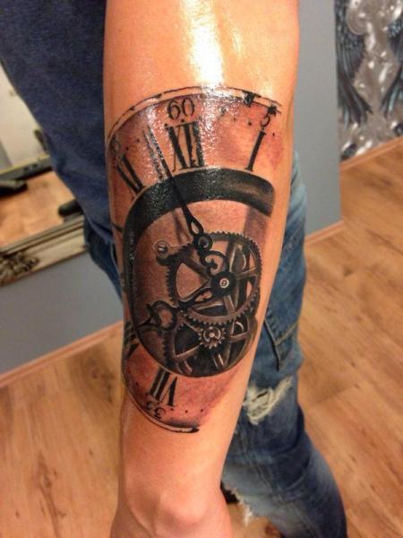bigxgenius ziffernblatt uhr r mische ziffern tattoos von tattoo. Black Bedroom Furniture Sets. Home Design Ideas