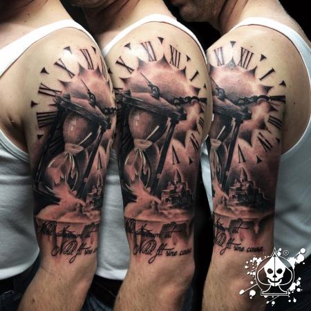 sanduhr-Tattoo: Sanduhr / Sandburg