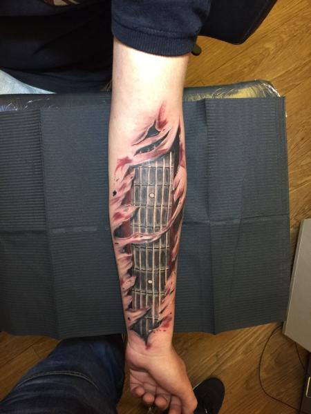 Gitarren Griffbrett Unterarm