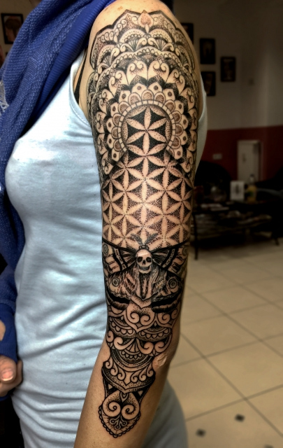 selfmadetattooberlin geometric dotwork mandala sleeve tattoo tattoos von tattoo. Black Bedroom Furniture Sets. Home Design Ideas