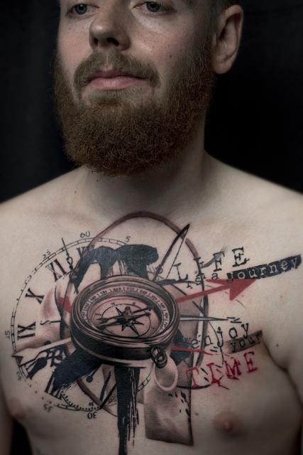 Compass und Uhr Tattoo