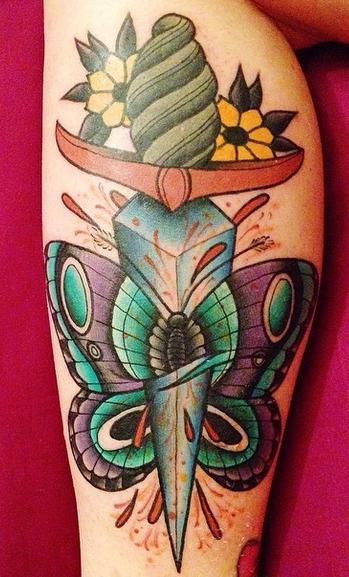 Butterfly und Dolch