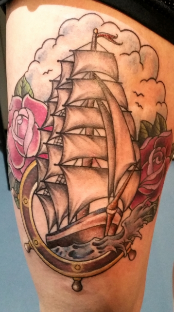 Segelschiff auf Oberschenkel