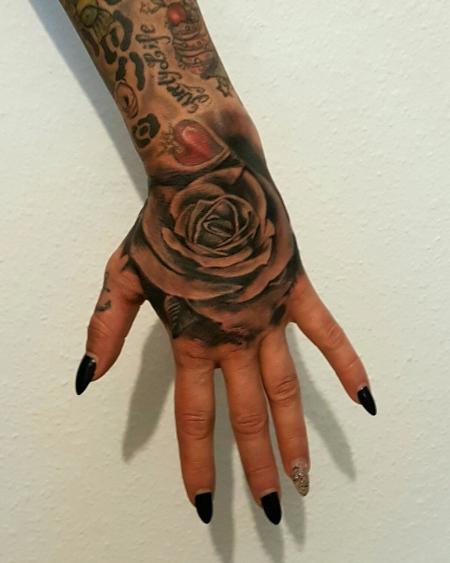 beste hand tattoos tattoo lass deine. Black Bedroom Furniture Sets. Home Design Ideas