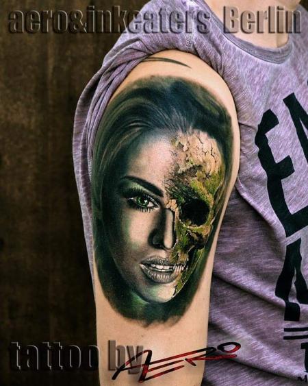 totenkopf-Tattoo: By Aero