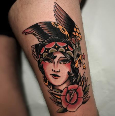 Gipsy Girl mit Adler und Rose