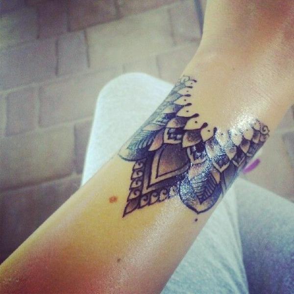 Mandala Mit Wieviel Zeit Und Kosten Muss Ich Rechnen Tattoo
